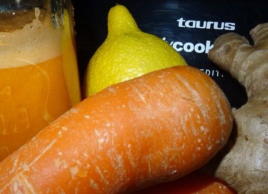 Smoothie De Zanahoria Naranja Y Jengibre Robot De Cocina Mycook 1 zanahoria mediana, 1 naranja (ralladura y jugo), 2 1/2 tazas harina leudante, 3 huevos, 3/4 taza aceite, 1 1/2 taza azúcar, 1 cda esencia de vainilla, 1 pizca sal, 2 tazas azúcar impalpable. smoothie de zanahoria naranja y jengibre
