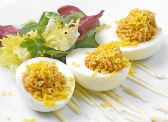 Pimientos rellenos con atun y huevo